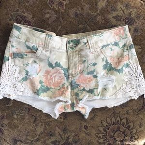 Floral patterned Mossimo shorts.